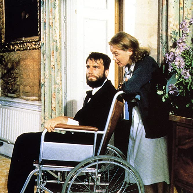 Daniel Day-Lewis and Ruth McCabe in My Left Foot (1989)