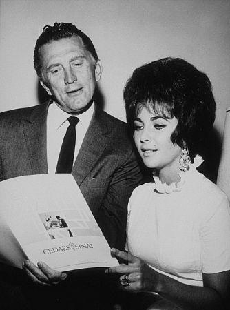 Pictures & Photos of Kirk Douglas - IMDb