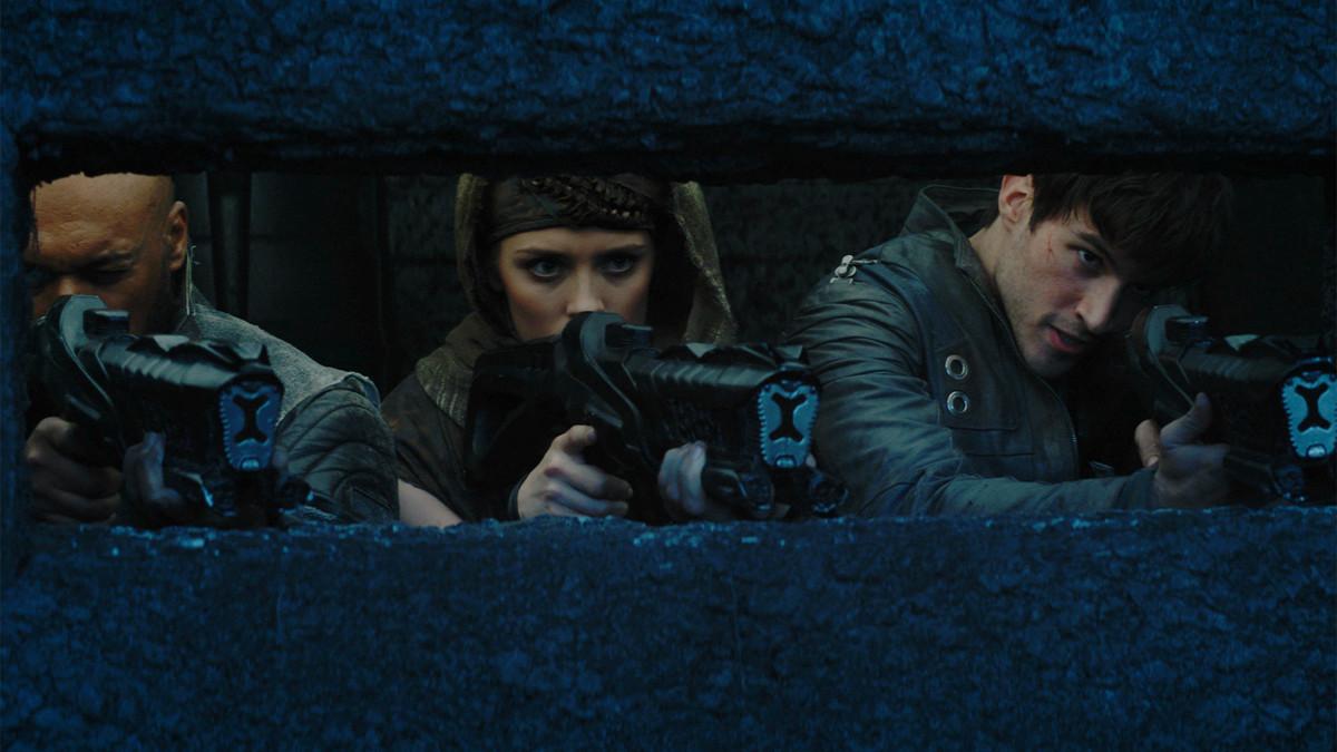 Colin Salmon, Cameron Cuffe, and Wallis Day in Krypton (2018)