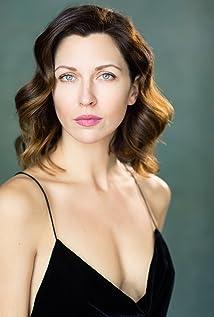 Margo Stilley Picture