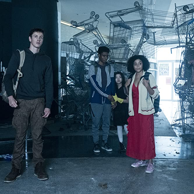 Skylan Brooks, Amandla Stenberg, Harris Dickinson, and Miya Cech in The Darkest Minds (2018)