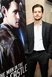 Luke Kleintank New Picture - Celebrity Forum, News, Rumors, Gossip