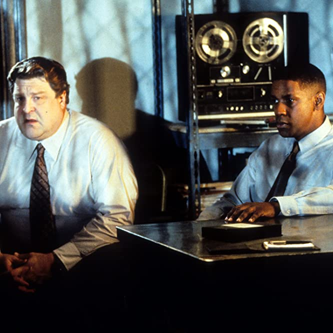 Denzel Washington and John Goodman in Fallen (1998)