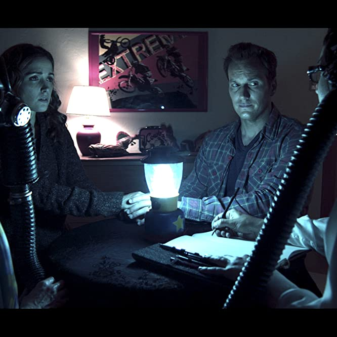 Lin Shaye, Rose Byrne, Patrick Wilson, and Leigh Whannell in Insidious (2010)