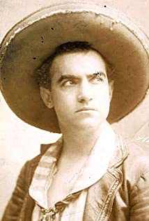 E.L. Fernandez Picture