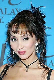 Aktori Celine Tran