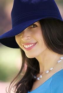 Tasia Valenza Picture