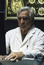 Donnelly Rhodes's primary photo