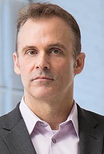 Aktori Dan Davidson