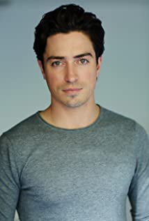 The 37-year old son of father Robert Feldman and mother(?), 173 cm tall Ben Feldman in 2018 photo