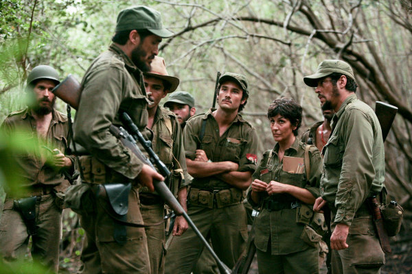 Benicio Del Toro, Demián Bichir, Elvira Mínguez, and Rodrigo Santoro in Che: Part One (2008)