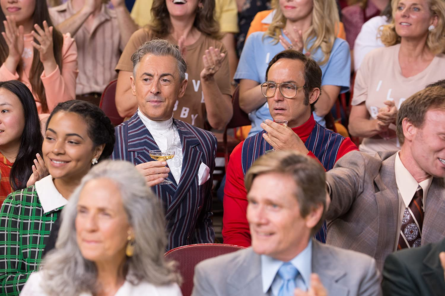 Alan Cumming and Wallace Langham in Battle of the Sexes (2017)