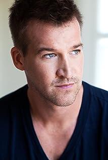 Kenneth Mitchell - IMDb