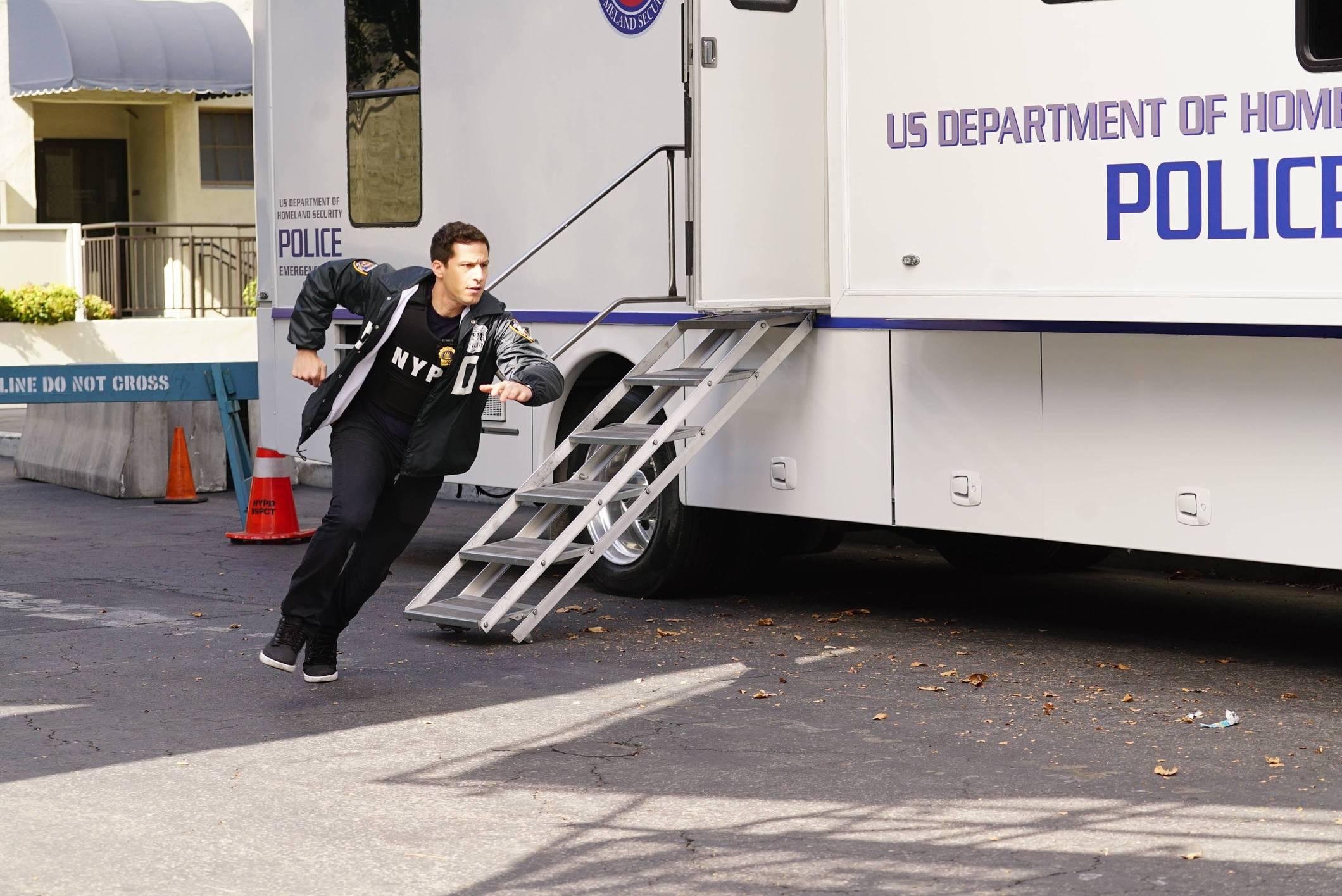 Brooklyn Nine-Nine: The Fugitive, Part 1 | Season 4 | Episode 11