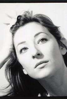 Isidora Goreshter Picture