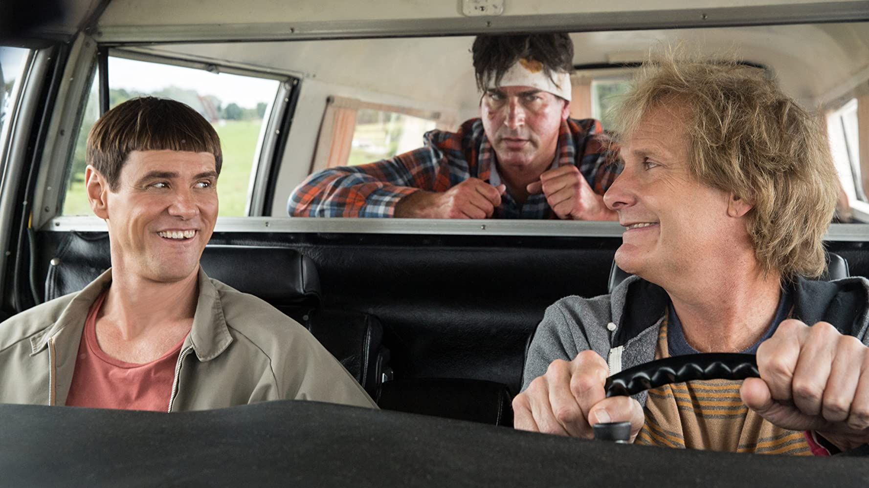 Jim Carrey, Jeff Daniels, and Rob Riggle in Dumb and Dumber To (2014)