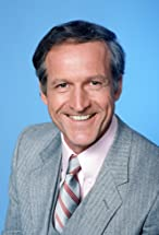 Daniel J. Travanti's primary photo