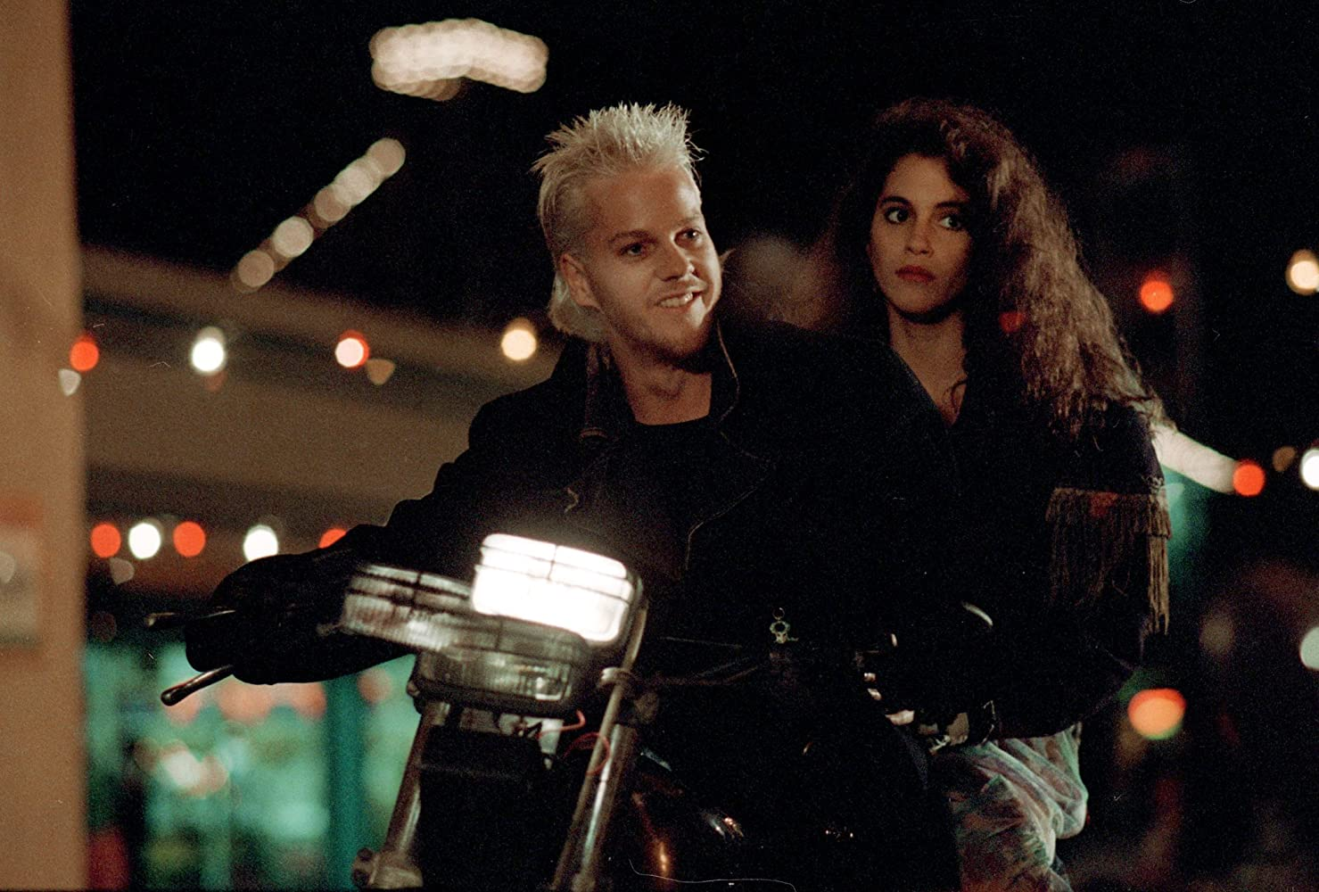 Jami Gertz and Kiefer Sutherland in The Lost Boys (1987)