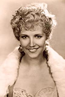 Claudia Dell Picture