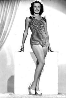Gwen Kenyon Picture