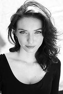 Eleanor Tomlinson Picture