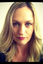 Helen Thomson's primary photo