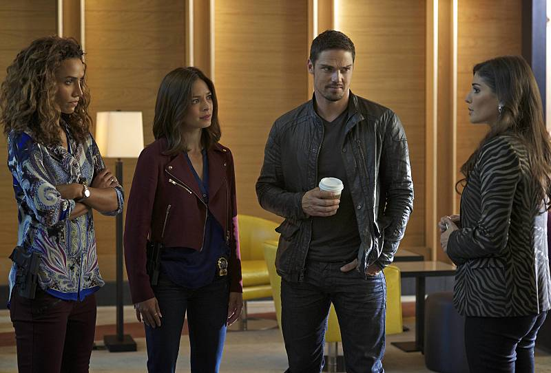 Kristin Kreuk, Nina Lisandrello, Jay Ryan, and Amanda Setton in Beauty and the Beast (2012)
