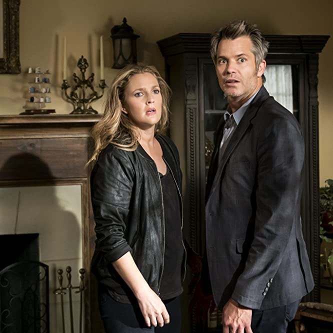 Drew Barrymore and Timothy Olyphant in Santa Clarita Diet (2017)