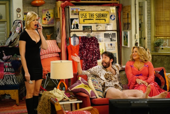 2 Broke Girls: And the Booth Babes | Season 5 | Episode 11