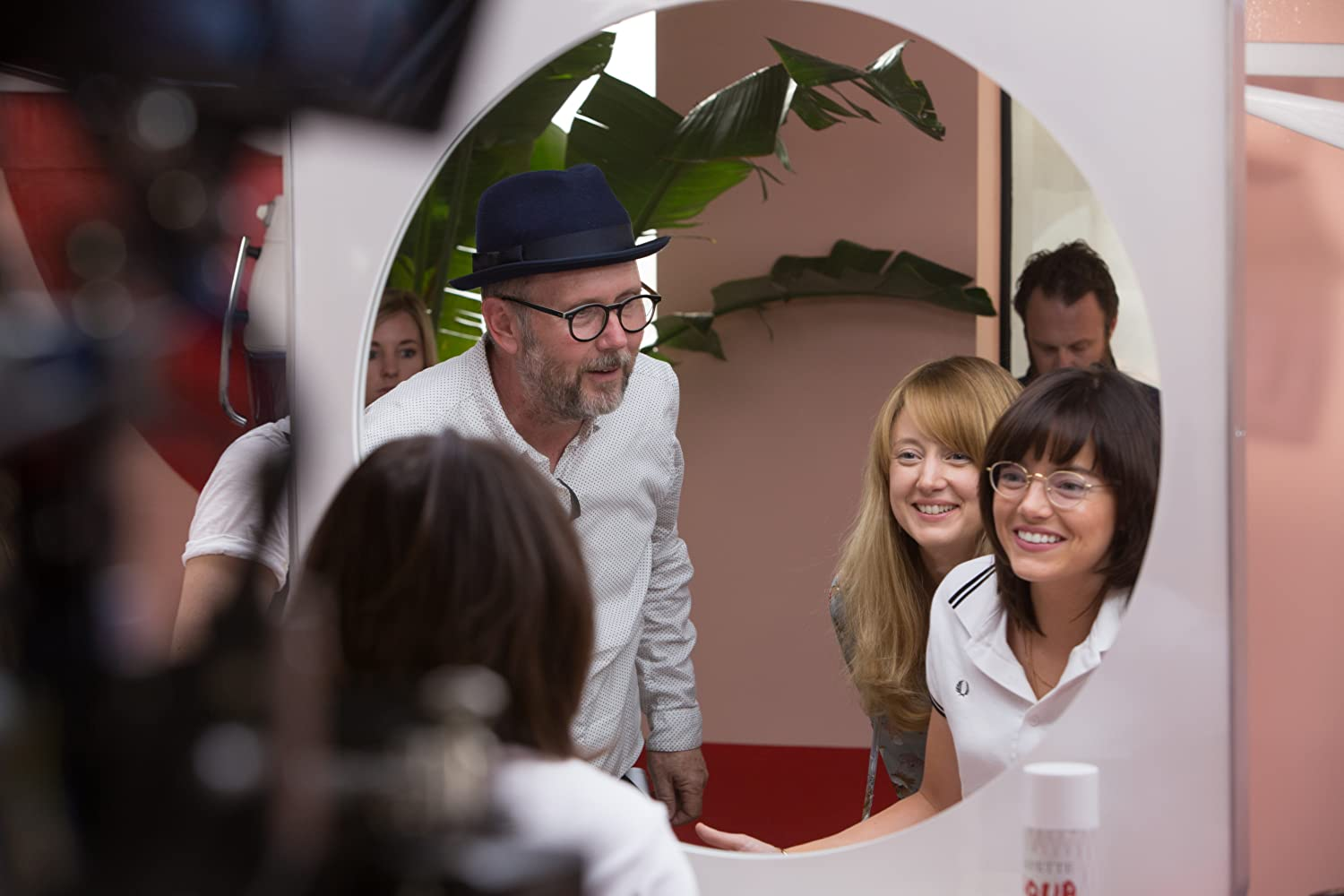 Jonathan Dayton, Emma Stone, and Andrea Riseborough in Battle of the Sexes (2017)