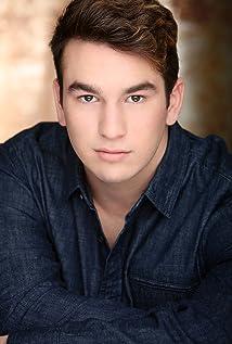 Aktori Zachary T. Robbins
