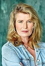Nina Franoszek's primary photo