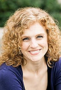 Lauren E. Roman Picture