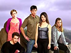 Roswell is officially getting a reboot