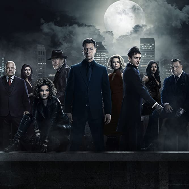 Jada Pinkett Smith, Michael Chiklis, Donal Logue, Sean Pertwee, Drew Powell, Morena Baccarin, Jessica Lucas, Ben McKenzie, Chris Chalk, Robin Lord Taylor, Erin Richards, David Mazouz, Maggie Geha, Camren Bicondova, and Cory Michael Smith in Gotham (2014)