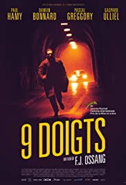 9 doigts Poster