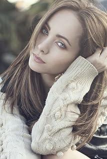 Ksenia Solo Picture