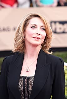 Sharon Lawrence Picture
